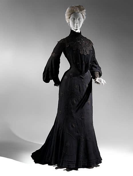 id kill   dress gorgeously gothy mourning