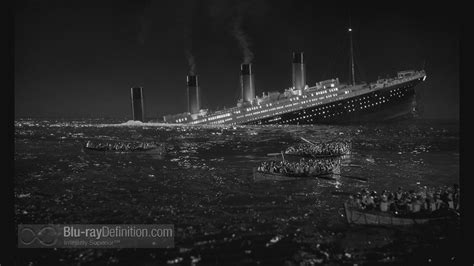 real pictures of the titanic sinking titanic sinking real footage www pixshark com images