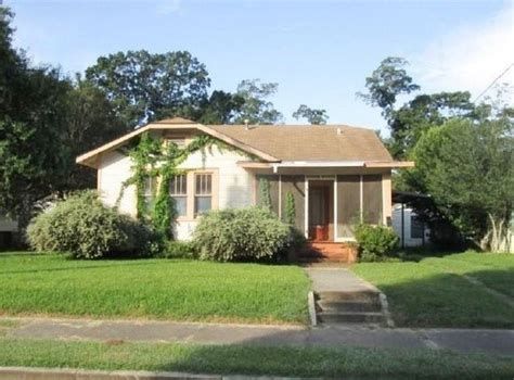 1706 bryn mawr st alexandria la 71301 foreclosed home