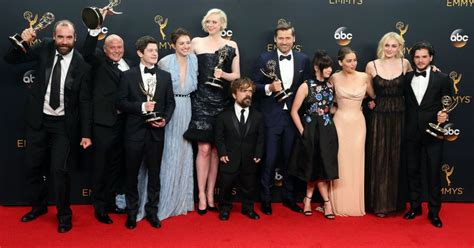 peter dinklage game of thrones interview new interviews with peter dinklage sophie turner nikolaj