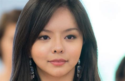 beauty smaller chins in women the ancient art of chinese face reading vision times