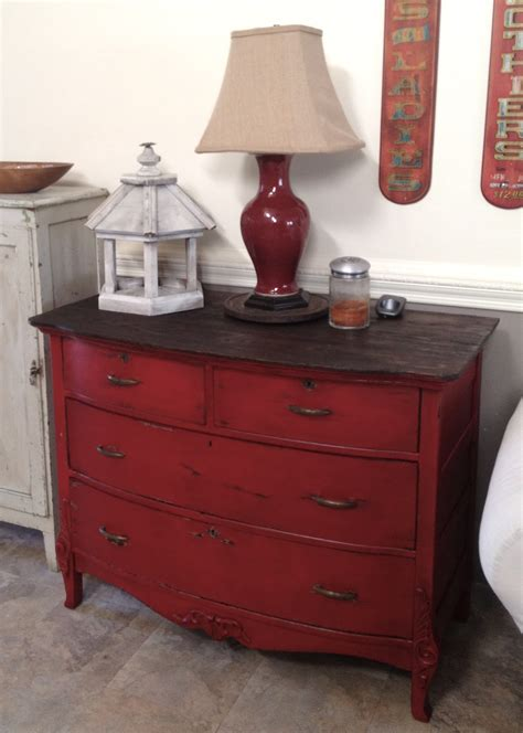 How To Chalk Paint Furniture by 152nd Power Of Paint Popp Spotlight Dresser Labour And Paint Furniture