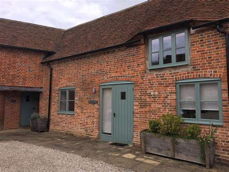cottages berkshire manor farm courtyard cottages self catering in berkshire