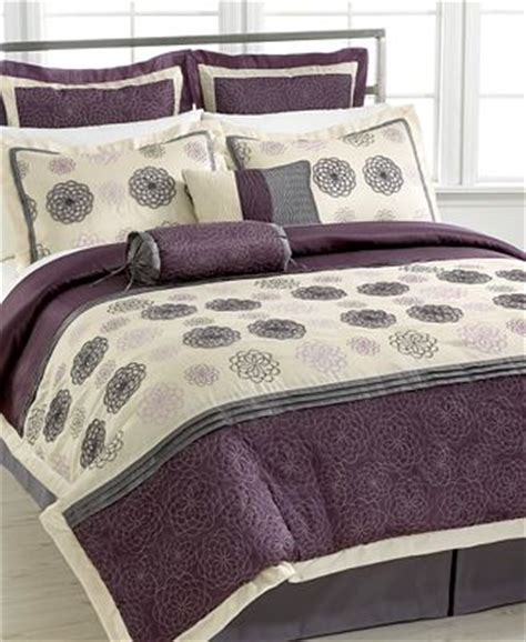 daisy bedding daisy charm 8 piece comforter sets bed in a bag bed
