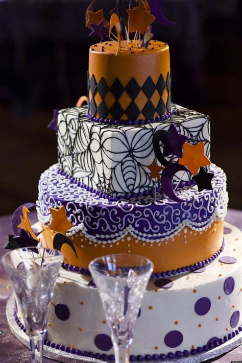 halloween themed cakes look 8 non tacky ways to have a halloween wedding