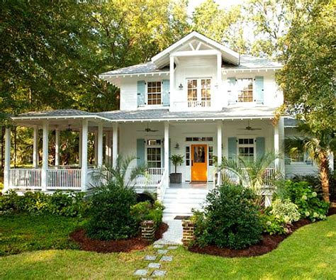 A family s coastal cottage with quot fresh squeezed quot color hooked on houses