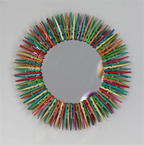 decorar un espejo para navidad originales espejos hechos con materiales reciclados