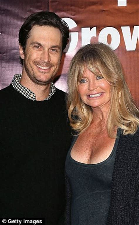 oliver hudson last movie kate hudson attends taylor swift gig with gwyneth paltrow