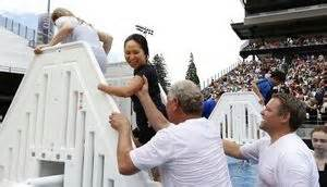 At Jehovah S Witnesses Event Baptisms In The End Zone