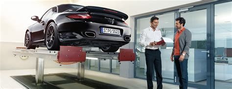 Porsche Augsburg Ffnungszeiten by Porsche Zentrum Augsburg 187 Werkstatt Team