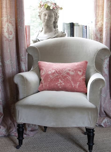 Pink Velvet Armchair Uk Velvet Armchair With Cameo And Ribbons Tuscan Pink