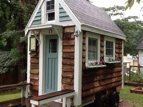 Tiny House Living Little House In The Valley Livable Tiny Houses