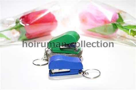 Souvenir Pernikahan Gantungan Kunci Staples Kemas Plastik hoiruman collection souvenir gantungan kunci straples