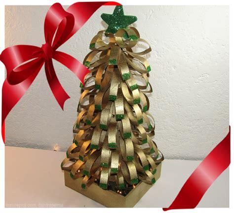 arbol de navidad con rollos de papel higienico arbol navide 241 o con tubos de papel higienico