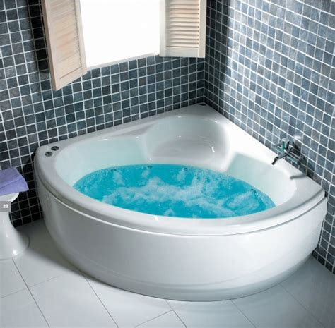 shower corner bath carron monarch corner bath 1300 x 1300mm cacmo135pa q4 02236