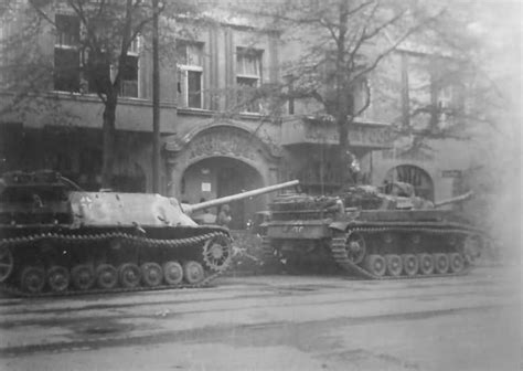 the wehrmacht s last stand the german caigns of 1944 1945 modern war studies books jagdpanzer iv and stug iii in berlin world war photos
