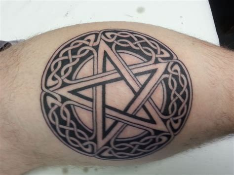 pentacle tattoo designs creativeimages tattoosherry pentagram celtic knot leg