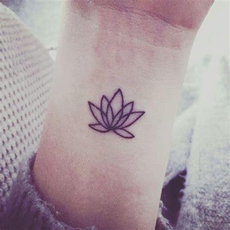 lotus wrist best 25 flower wrist tattoos ideas on lotus