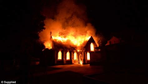 The Place In Flames Geelong Mosque The Fifth Place Of Worship To Catch In Melbourne Daily Mail