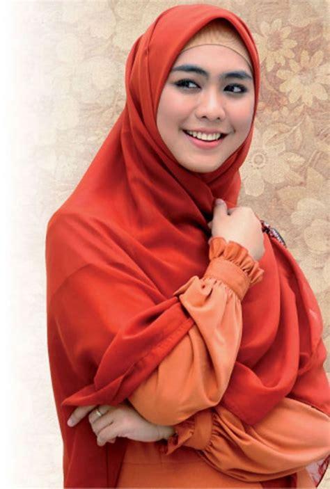 Foto Jilbab Syar I Perjuangan Yang Dimengerti Oleh Gadis Yang Sedang Berjuang