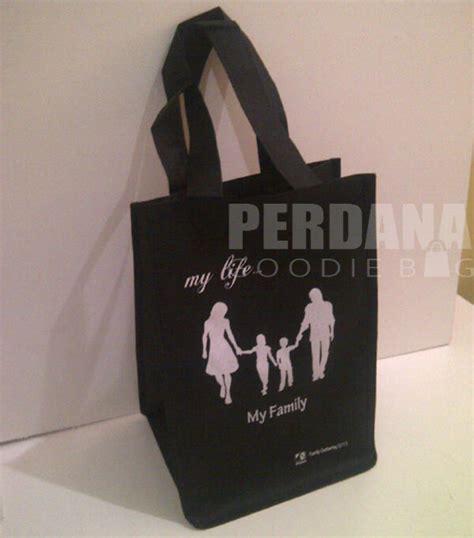 Tas Blacu Sovenir Pernikahan Sovenir Ulang Tahun Tote Bag memesan tas souvenir tas kanvas tas blacu perdana goodiebag