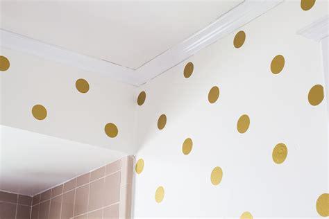 hearts gold polka dot bathroom walls