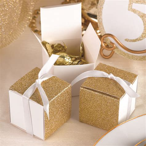 Wedding Favor Boxes Ideas by 25 Best Ideas About Wedding Favor Boxes On