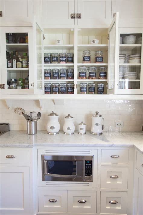 Great White Ceramic Canister Set Decorating Ideas Gallery in Kitchen Traditional design ideas