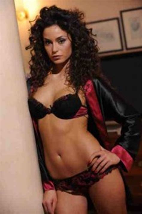 picture of mature italian woman with curly black hair hot curly haired girls raffaella fico the lifestyle