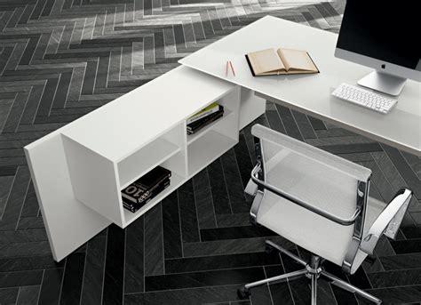 piano scrivania scrivania piano vetro direzionale go 1 arredamento per