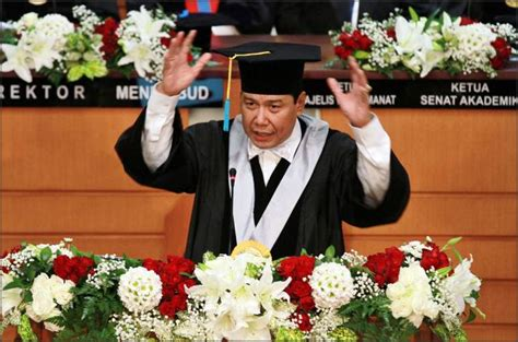 short biography of chairul tanjung profil tokoh indonesia chairul tanjung si anak singkong