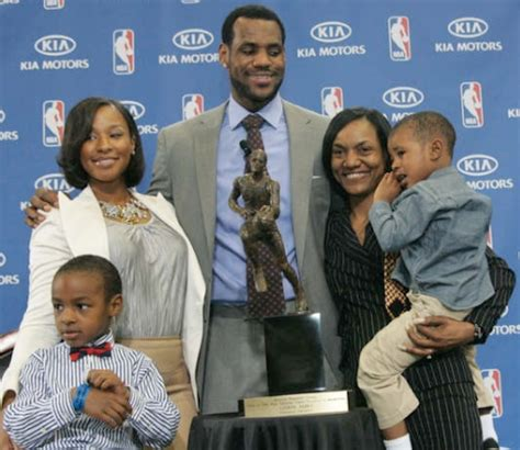 lebron james biography family lebron james posts open letter to his absentee father on