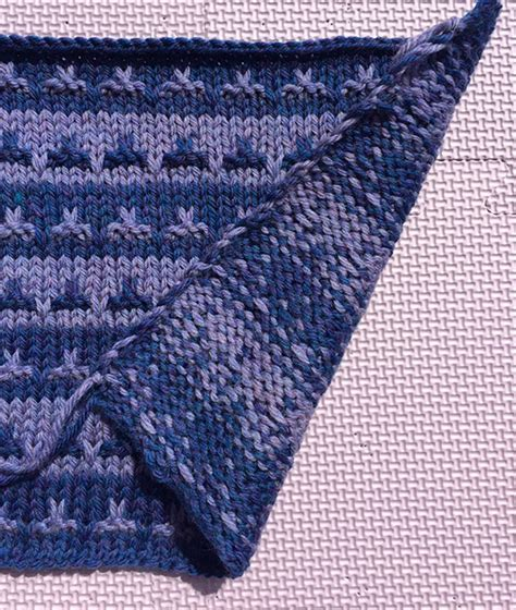 knitting with two colors carrying yarn martin storey kal 2016 halfway through knitting with rowan
