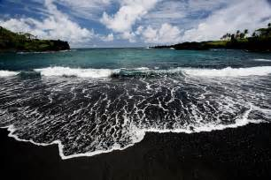 Black Sand Beaches Hawaii by Black Sand Beach Paradis