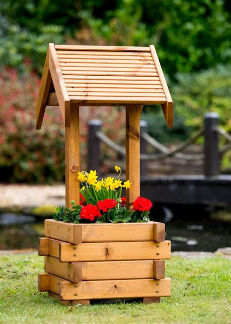 Garden Wishing Well Planter by Small Wooden Wishing Well Planter