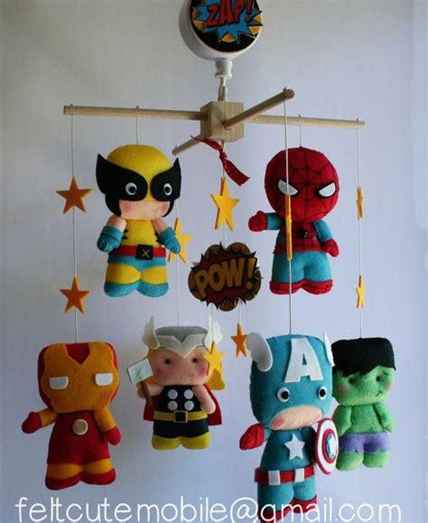 kinderzimmer ideen superhelden baby filz mobile superheld mobile kinderzimmer bettw 228 sche