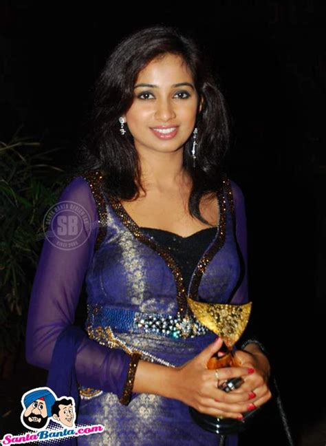 apsara awards shreya ghoshal picture