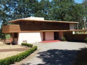 Split Level House Designs lessons from frank lloyd wright