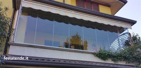 chiudere terrazza con vetro vetrate scorrevoli tutto vetro o in alluminio per esterni