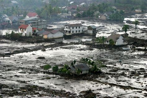 earthquake in aceh how the 2004 tsunami brought peace to aceh