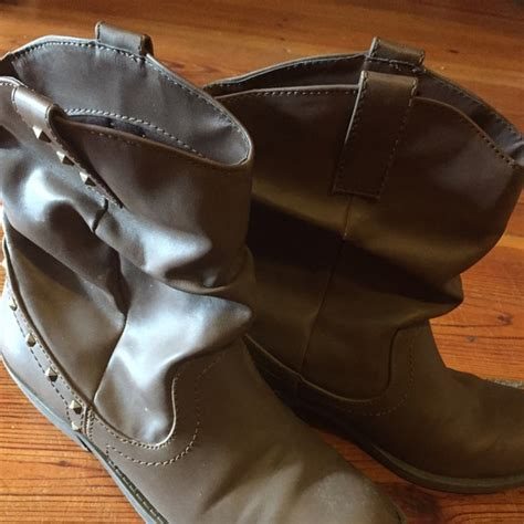 payless brown boots 67 american eagle by payless shoes brown american
