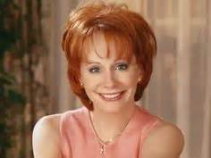 pics of reba mcintyre in pixie hair style 1000 images about hair cuts on pinterest reba mcentire