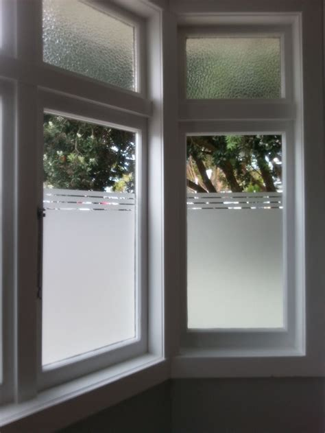 windows for bathroom privacy 25 best ideas about frosted window on pinterest
