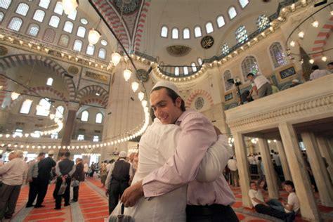 Buah Tangan Murah Kaos Negara Turki bagaimana kemeriahan idul fitri di negara intip yuk negara negara di 5 benua ini