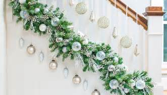 Christmas Garland On Banister Diy Christmas Garland Ideas