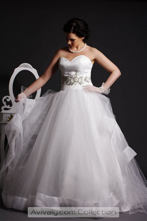 06hem Govinza whity tulle gown skirt with organza hem avivaly