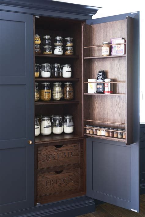black kitchen pantry 1000 ideas about painted oak cabinets on pinterest