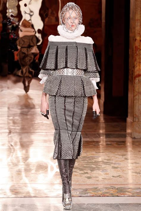 pictures of 2013 fall clothes alexander mcqueen fall 2013 paris