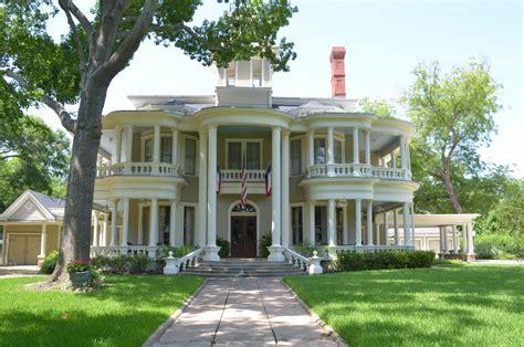 where is the rushmead historic house коттедж в викторианском стиле от sarah greenman террелл сша