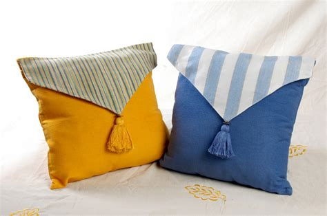 Sarung Bantal Sofa Set Merak sarung bantal sofa lop bordir dan lop salur